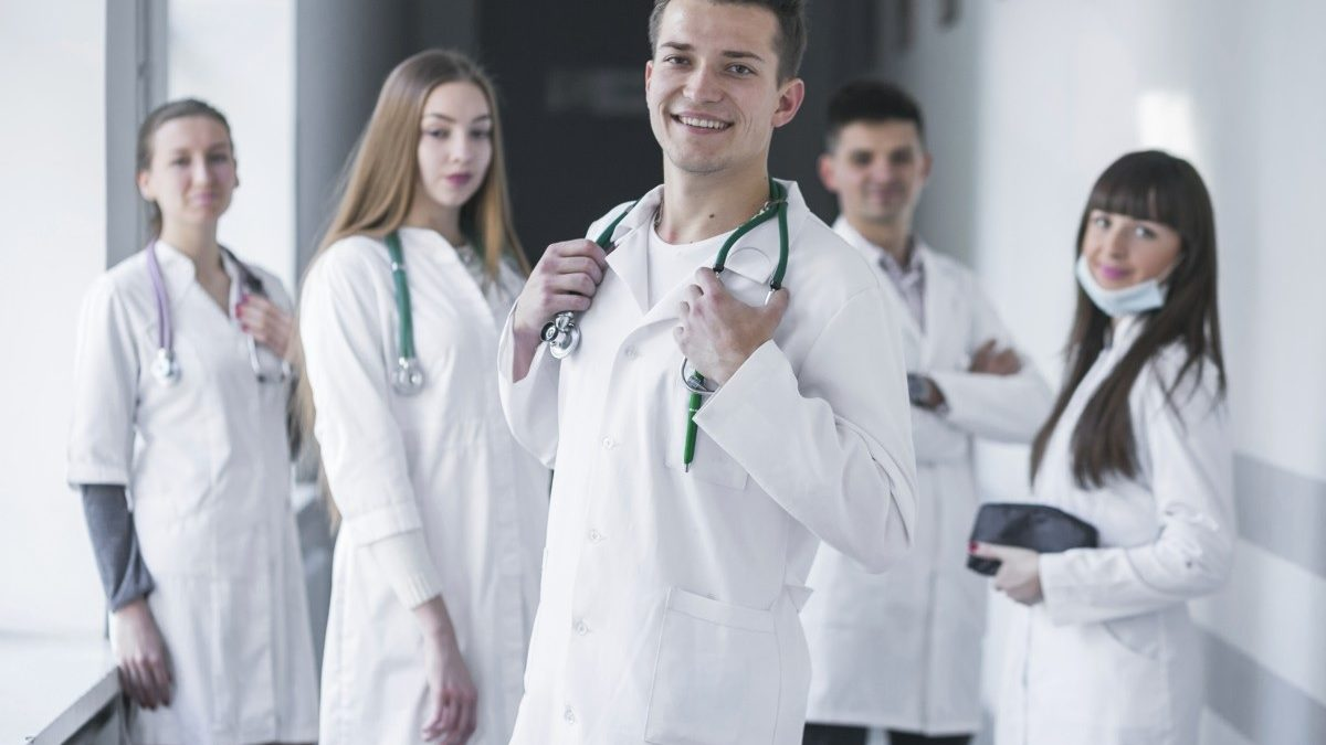 The Best medical assistant career for Medicine Students