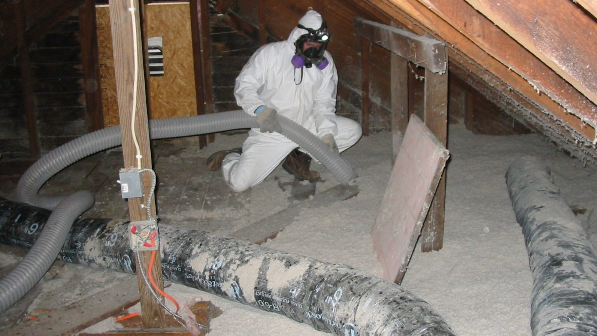 Working With Asbestos And The Possible Health Risks
